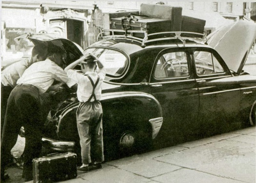 vacances-Renault-frégate-bagages-1951.jpg